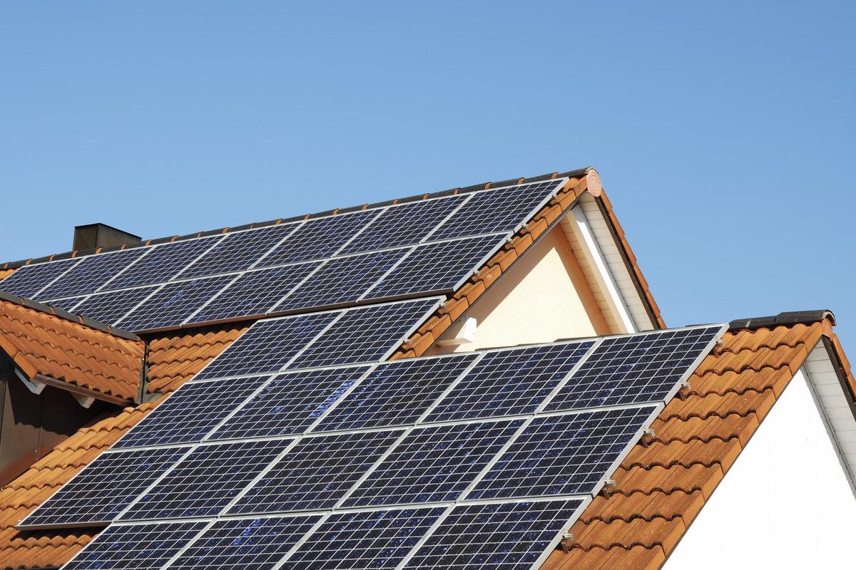 Verschil reiniging horizontale en verticale zonnepanelen