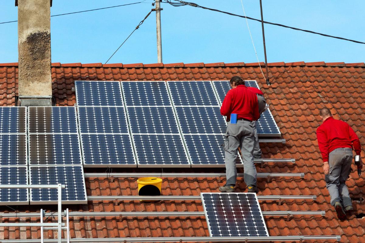 geschroefde montage van zonnepanelen