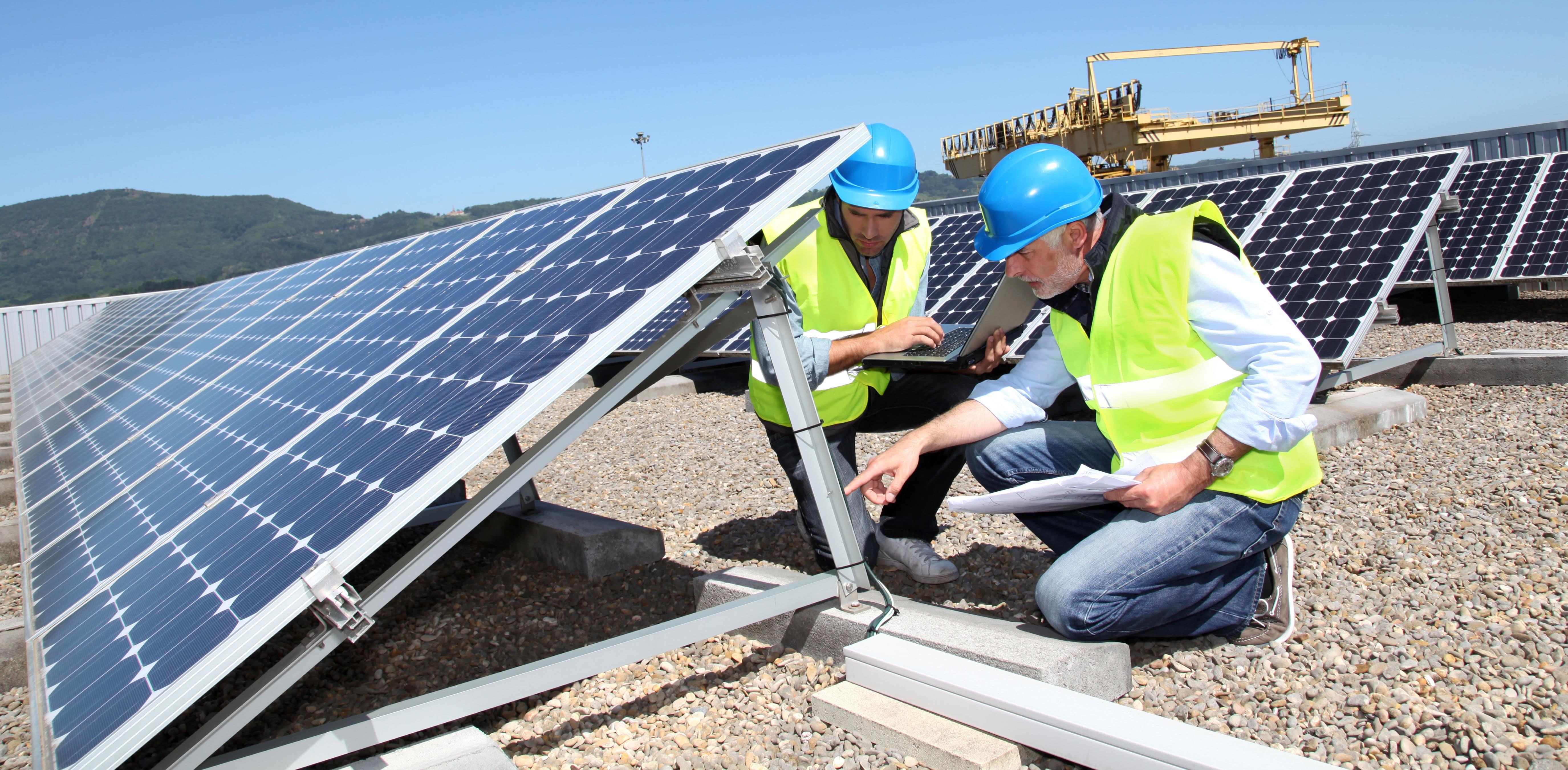 Gewicht zonnepanelen plat dak