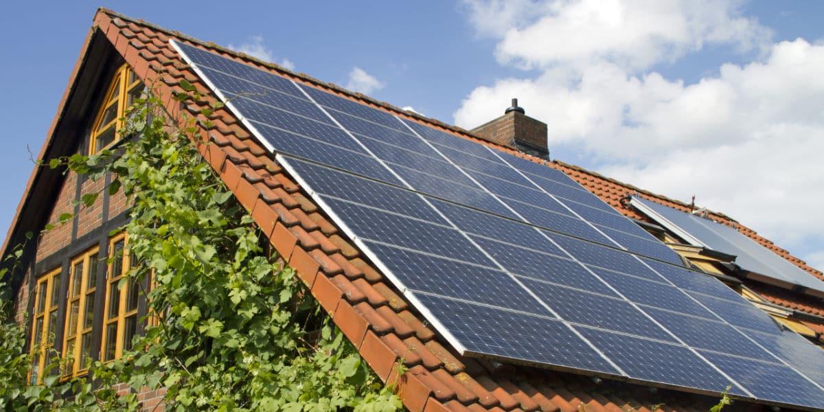 zonnepanelen hellend dak